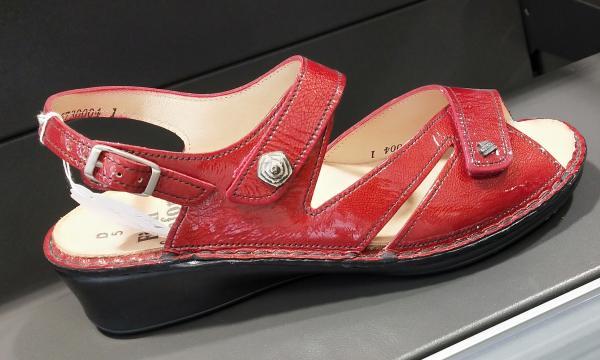 sandales cuir rouge vernis